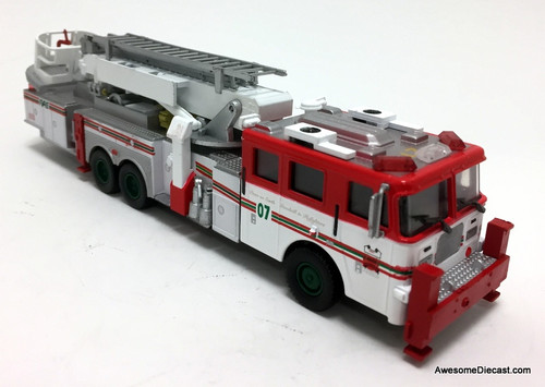 Code 3 Reproductions 1:64 2007 Seagrave Aerialscope Ladder Fire Truck: New York Fire Department Special Christmas Edition