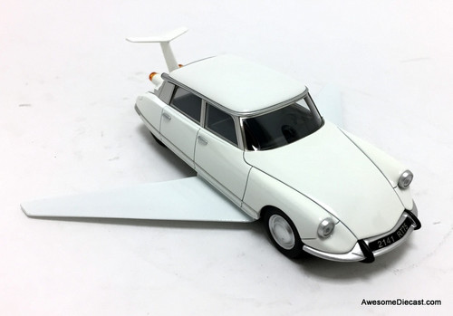 Norev 1:43 1969 Citroen DS19 Volante: Fantomas Movie Car