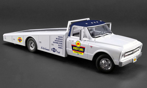 Acme 1:18 1967 Chevrolet C-30 Ramp Truck: OK Used Cars