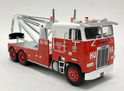Iconic Replicas 1:43 Freightliner COE Heavy-Duty Wrecker: Los Angles Fire Dept.