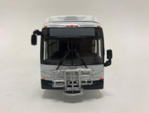 Iconic Replicas 1:87 NFI XCELSIOR XN40 Transit Bus w/Bike Rack: Blank White