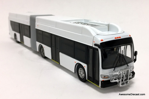 Iconic Replicas 1:87 New Flyer Xcelsior XN60: Blank White