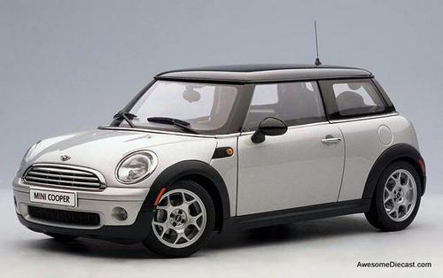 AUTOart 1:18 2006 Mini Cooper, Pure Silver w/Black Roof