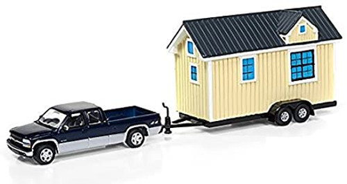 Johnny lightning 1:64 2002 Chevrolet Silverado 1500 w/ Tiny Yellow House