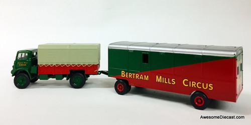Oxford 1:76 Bedford QLD w/Showmans Trailer: Bertram Mills Circus