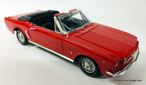 Motor Max 1:18 1964 1/2 Ford Mustang Convertible, Red