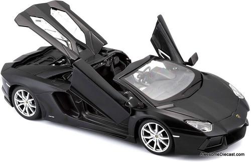 Maisto 1:24 Lamborghini Aventador LP 700-4 Roadster: Matte Black Series