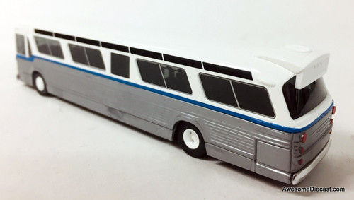 Busch 1:87 GM Fishbowl Bus, White/Silver