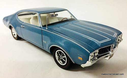 American Muscle Mint 1:18 1969 Oldsmobile 4-4-2, Metallic Blue