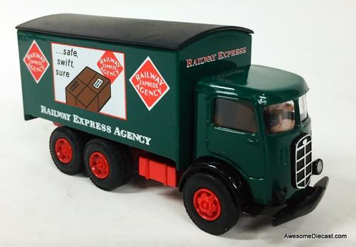 Eastwood Automobilia 1:64 Mack Box Truck: Railway Express Agency