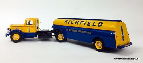 Corgi 1:50 Mack LJ Tractor w/Semi Skirted Fuel Tanker: Richfield Gasoline