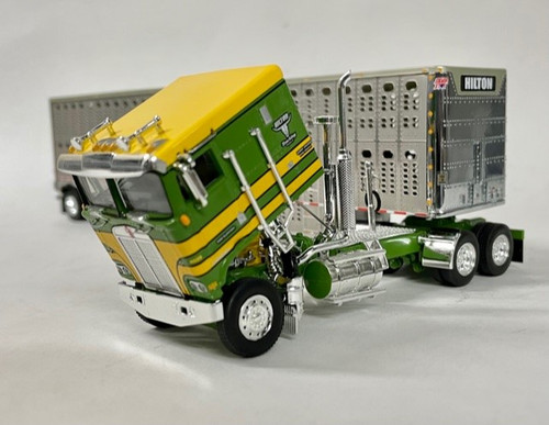 DCP by FG 1:64 Kenworth K100 w/ Livestock Trailer: Hilton Trucking