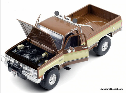 Greenlight 1:18 1982 GMC K-2500 Sierra Grande: The Fall Guy
