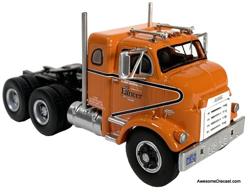 Neo 1:64 1954 GM 950 Cannonball  Sleeper Cab, Orange