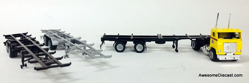 Con-Cor 1:87 Freightliner Tractor w/ 3 Piece Sea Container Chassis: Ryder Truck Leasing