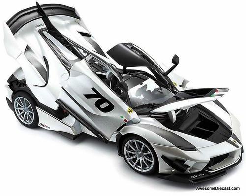 Burago 1:18 2016 Ferrari FXX K Evo, Pearl White Metallic