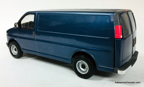 Rare!! Brookfield Collector's Guild 1:24 1996 Chevrolet Express Van, Blue