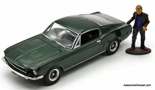 Revell 1:25 1968 Bullitt Ford Mustang w/Frank Bullitt Figure