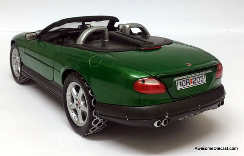 Beanstalk Group 1:18 Jaguar XKR Roadster: James Bond, Die Another Day