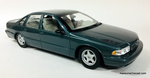 UT Models 1:18 1995 Chevrolet Impala SS, Gray/Green