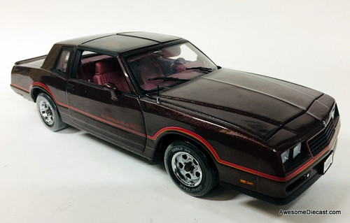 American Muscle Authentics 1:18 1985 Chevrolet Monte Carlo SS T-Tops