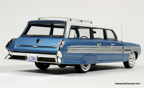 Goldvarg Collection 1:43 Oldsmobile Dynamic 88 Fiesta Wagon, Wedgewood Mist Poly