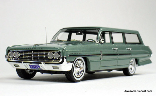 Goldvarg Collection 1:43 1962 Oldsmobile Dynamic 88 Fiesta Wagon, Willow Mist Poly