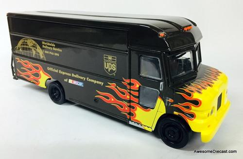 RARE!! Action Models 1:32 2001 UPS Nascar Flame Van