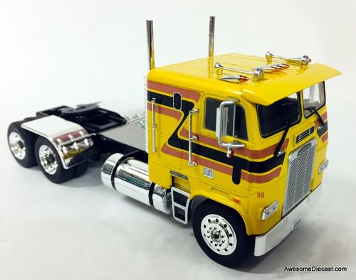 IXO 1:43 1993 Freightliner FLA Sleeper Cab, Yellow/Custom