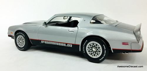 American Muscle 1:18 1977 Pontiac Firebird Formula, Silver