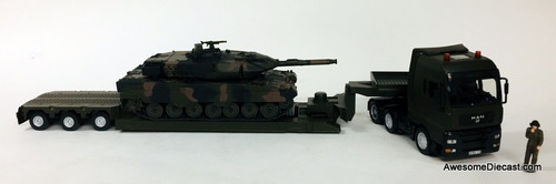 SIKU 1:50 MAN Tractor w/ Lowboy Trailer & Battle Tank