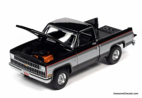 AutoWorld 1:64 1981 Chevrolet Silverado C10 Fleetside, Black/Silver