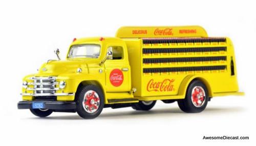 Motor City Classics 1:50 1955 Diamond T Delivery Truck: Coca Cola