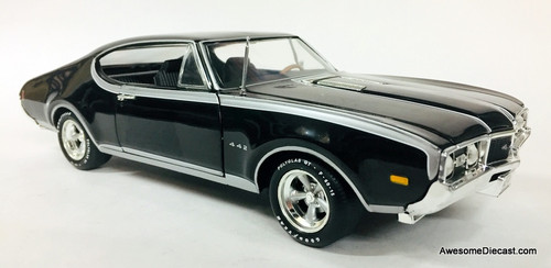 American Muscle 1:18 1968 Oldsmobile 4-4-2 Special Edition, Black