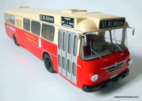 Hachette 1:43 1964 Bussing Senator 12D: Altona Train Station Hamburg, Germany