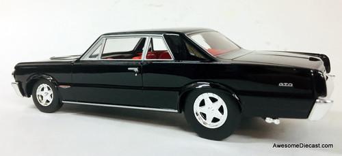 Racing Champions 1:24 1964 Pontiac GTO, Black