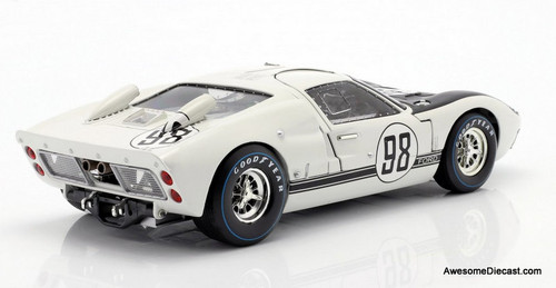 Shelby Collectibles 1:18 1966 Ford Gt-40 MK 11: Daytona 24 Hours Winner