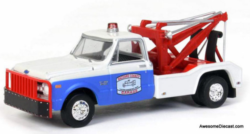 Greenlight 1:64 1969 Chevrolet Tow Truck: Cooters Hazzard County Garage