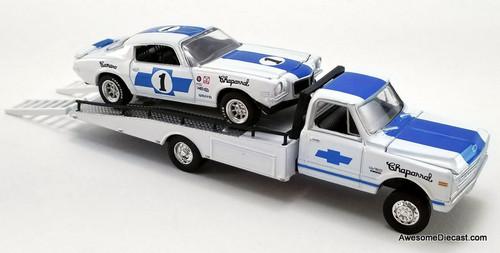 ACME 1:64 1967 Chevrolet C-30 Ramp Truck w/1970 Chevrolet Trans Am Camaro: Chaparral Racing