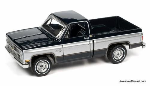 AutoWorld 1:64 1982 Chevrolet Silverado C10 Fleetside, Dark Blue