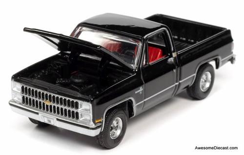 AutoWorld 1:64 1982 Chevrolet Silverado C10 Fleetside, Midnight Black
