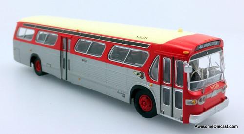 Rapido 1:87 GM TDH 5303 New Look Transit Bus Denver Tramways: Destination, 40-Union Station