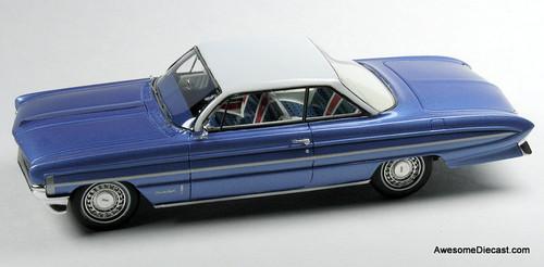 Goldvarg Collection 1:43 1961 Oldsmobile 98 Bubble Top, Blue