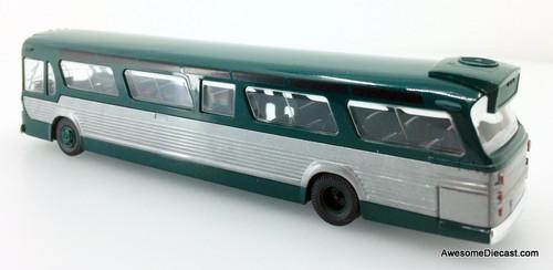Busch 1:87 GM Fishbowl Bus, Green/Silver: Downtown Loop