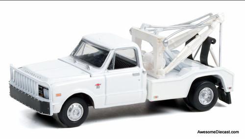 Greenlight 1:64 1968 Chevrolet C-30 Dually Wrecker, White