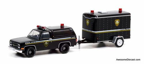 Greenlight 1:64 1990 Chevrolet K5 Blazer Utica: New York Police & Small Cargo Trailer