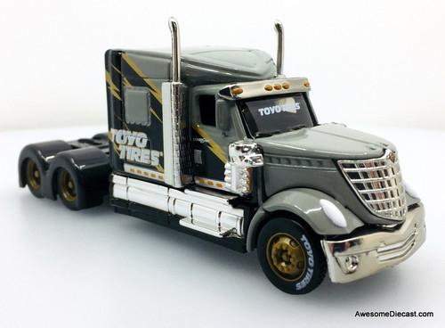Maisto 1:64 International LoneStar Custom Tractor, Gray: Toyo Tires