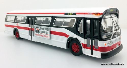 Corgi 1:50 GM-TDH 5301 New Look Fishbowl: Toronto Transit Commission