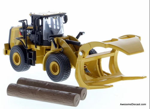 Diecast Masters 1:64 Cat 950M Wheel Loader w/Log Fork & General Purpose Bucket