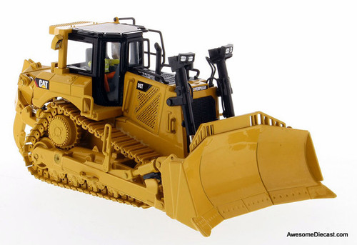 Diecast Masters 1:50 Caterpillar D8T Track Type Tractor with 8U Blade